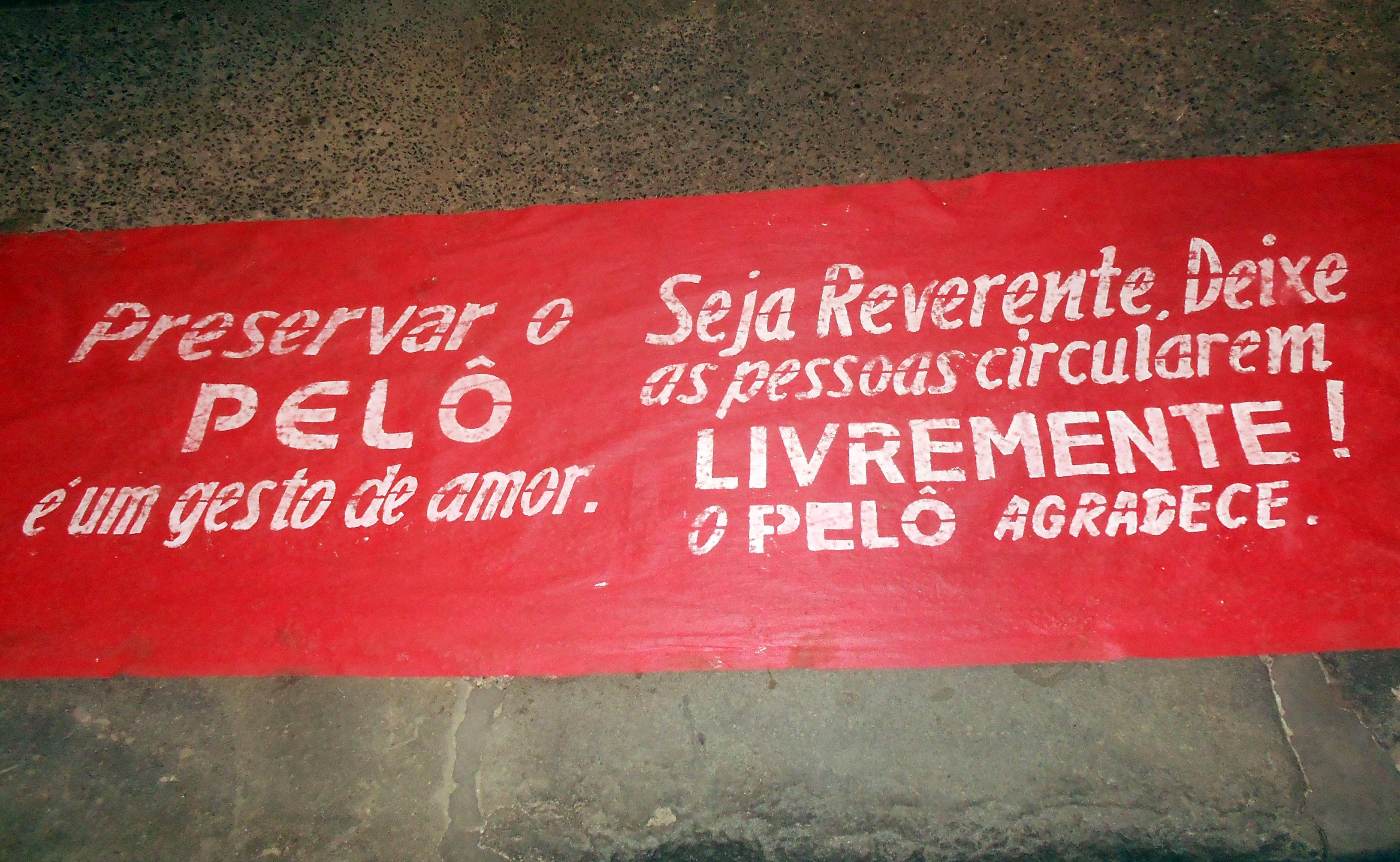 Tapete estendido na rua da Cantina da Lua exorta comunidade a amar o Pelourinho - Foto: Joseanne Guedes/ABI