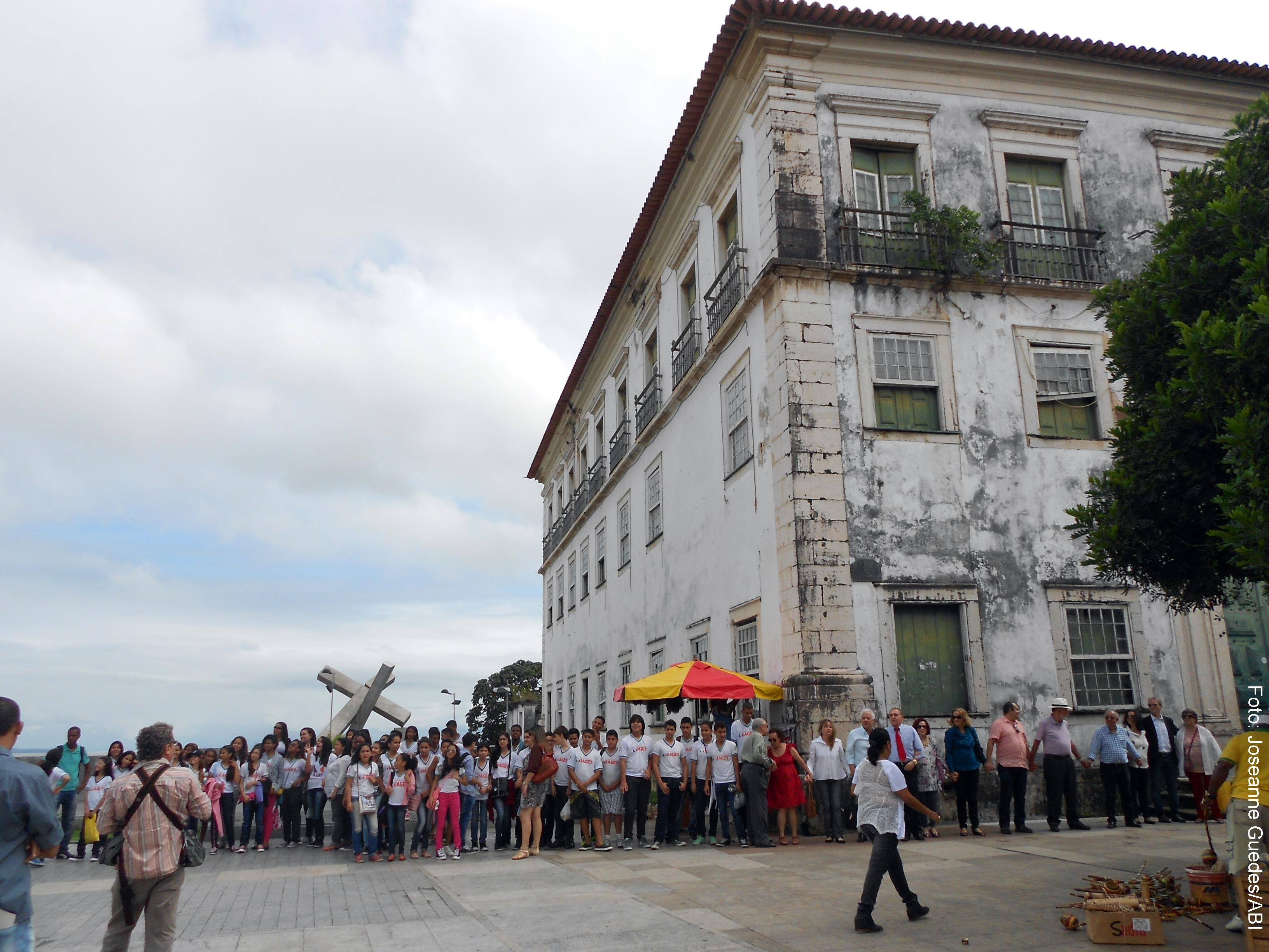 Estudantes tiveram a oportunidade de conhecer a história do Palácio