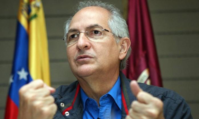 O prefeito de Caracas, Antonio Ledezma, foi preso sem mandado judicial - Foto: Williams Marrero /El Nacional